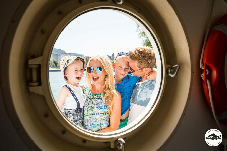 Die Vorarlberger Fotografen des Studio Fasching fotografieren für Vorarlberg Lines ihre Crew sowie die Fahrgäste bei einer schönen Ausfahrt