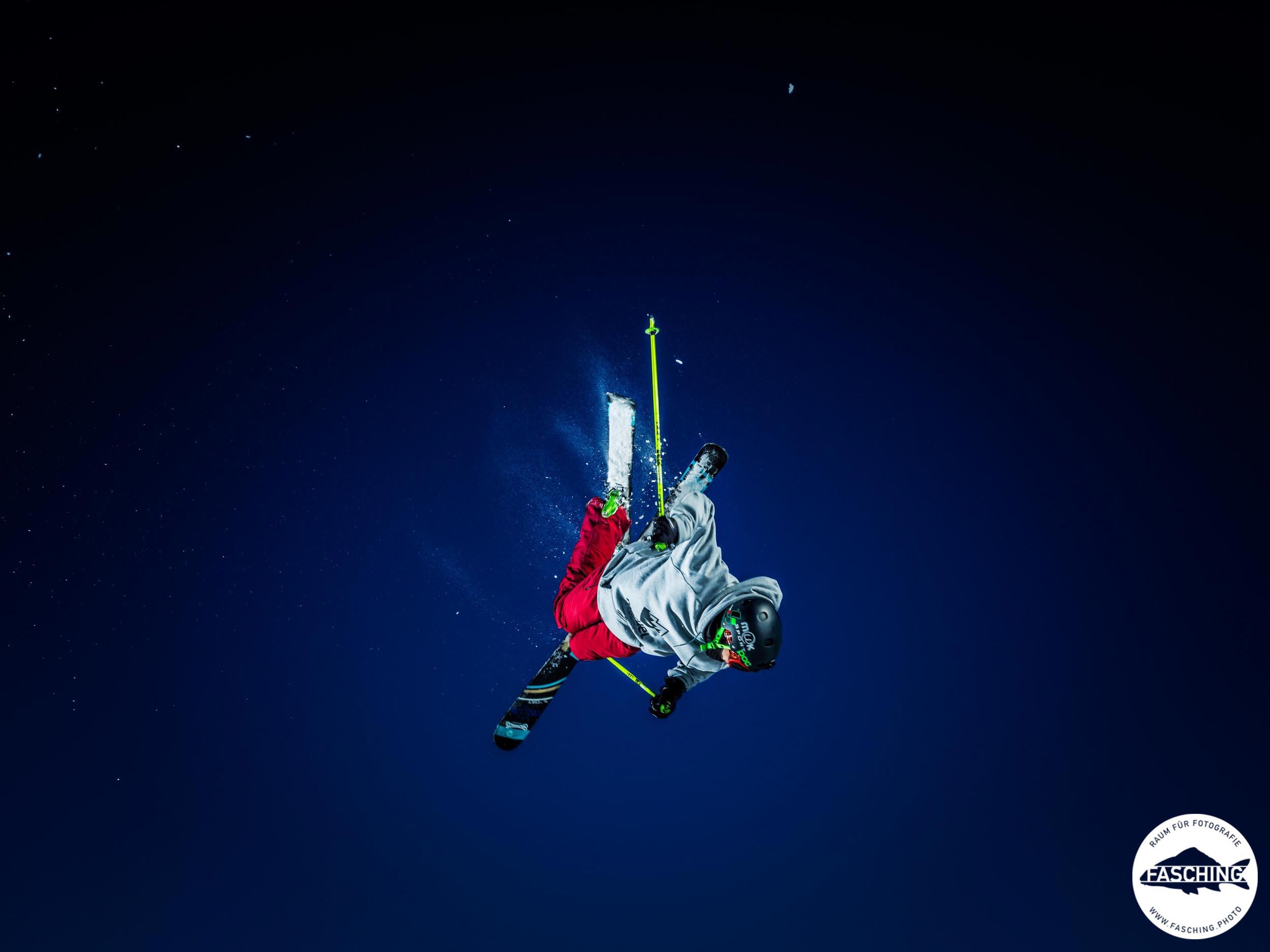 Sportaufnahmen der Freestyleskifahrer von Luca Fasching