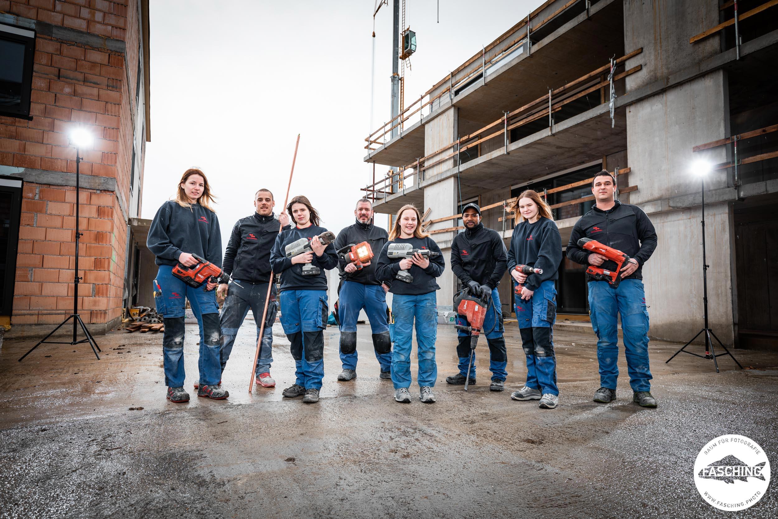Teamfoto vom Dorfinstallateur Team
